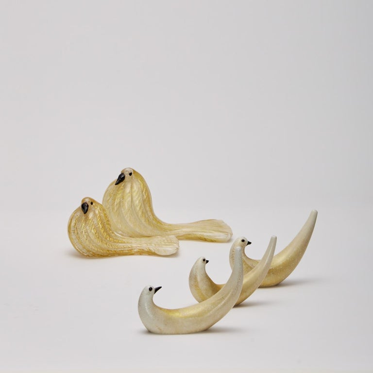 Group of Five Bird Sculptures in Gold Leaf Glass Barovier & Toso In Excellent Condition For Sale In London, GB