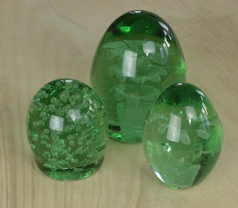 Wonderful pieces of green glass with a bubble effect / floral interior.  Subtle differences in shades of green.  Makes a great feature.  The measurement given below is for the largest piece.