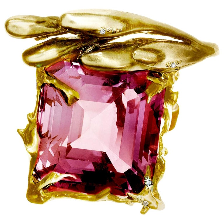 GRS Cert. 17.03 Ct Pink Burma Spinel 18 Kt Gold Pendant Necklace by the Artist For Sale