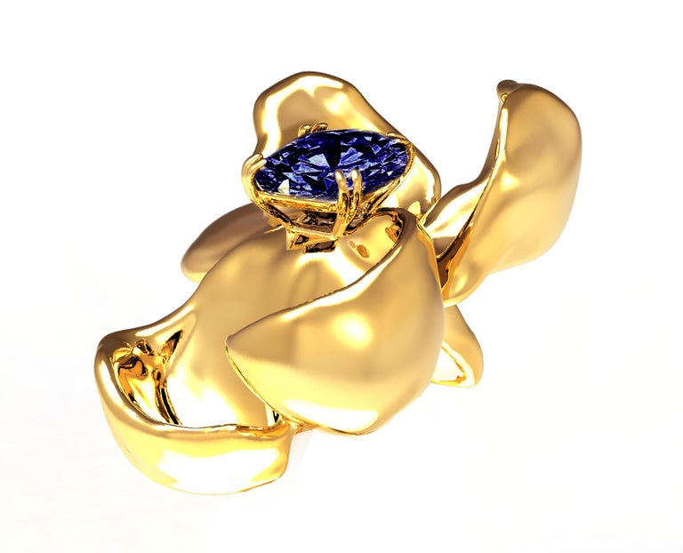 Contemporary GRS Certified Vivid No Heat Blue Sapphire Brooch in 18 Karat Yellow Gold For Sale