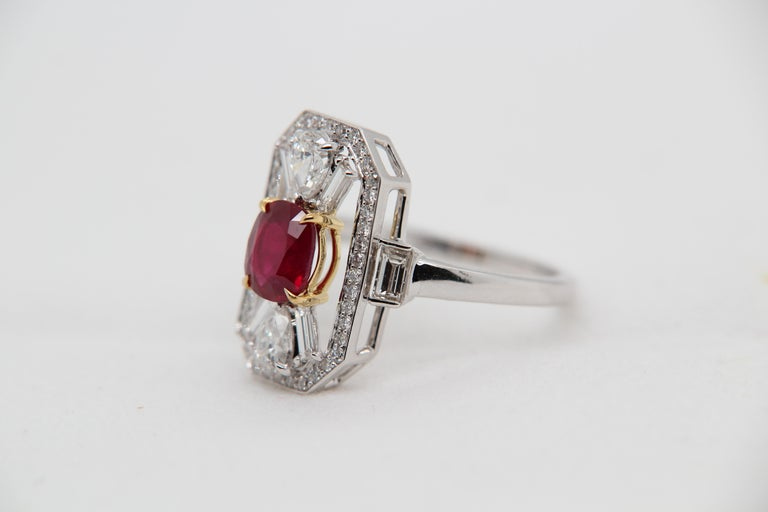 GRS Certified 1.16 Carat Pigeon Blood No Heat Ruby and Diamond Ring In New Condition For Sale In Bangkok, TH