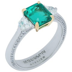 GRS Certified 1.48 Carat Colombian Emerald Diamond 18 Karat White Gold Ring