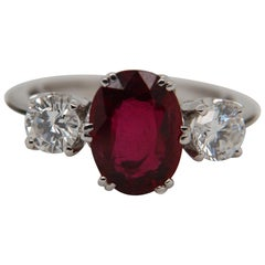 GRS Certified 2.94 Carat Thai Ruby Ring in 18 Karat Gold