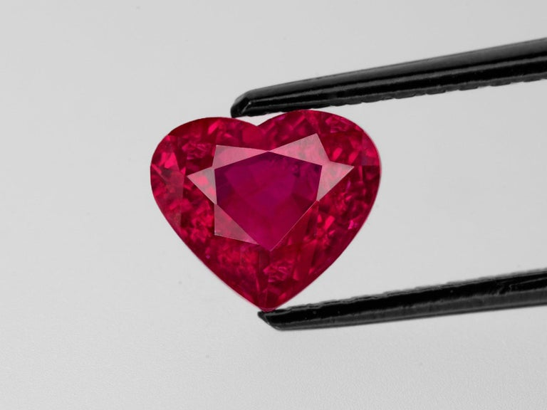 Modern GRS Certified 3.50 Carat Heart Shape Vivid Red Ruby Diamond Ring For Sale