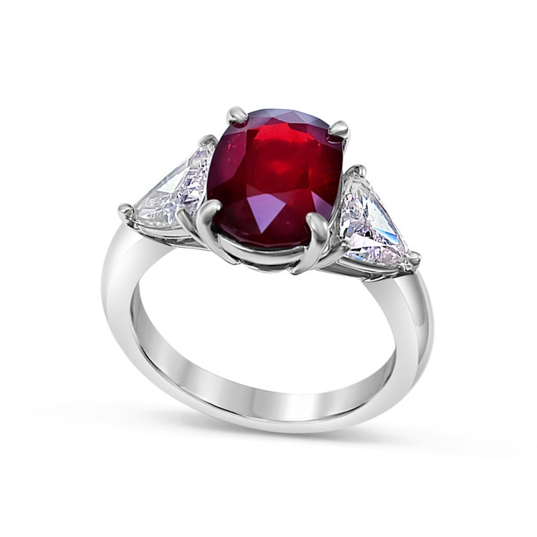 GRS Certified 4.26 Carat Vivid Red Ruby and Diamond Solitaire Ring In New Condition For Sale In Hung Hom, HK
