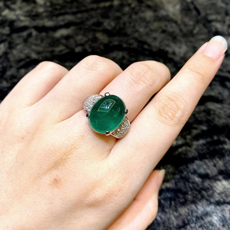 Women's or Men's GRS Certified 9.55 Carat Colombian Emerald and Diamond Wedding Ring in Platinum For Sale