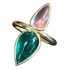 GRS Certified Colombian Emerald and Fine Moonstone Cabochon 18 Karat Gold Ring