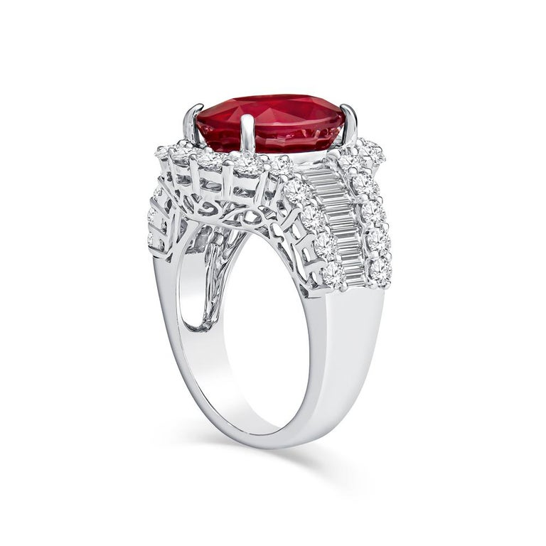 Contemporary GRS Certified GRS Certified Ruby and Diamond Art Deco Cocktail Ring in 18KT Whit For Sale
