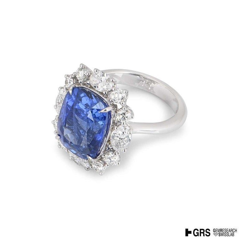 GRS Certified Natural SriLankan Cornflower Blue Sapphire Ring In Excellent Condition For Sale In London, GB