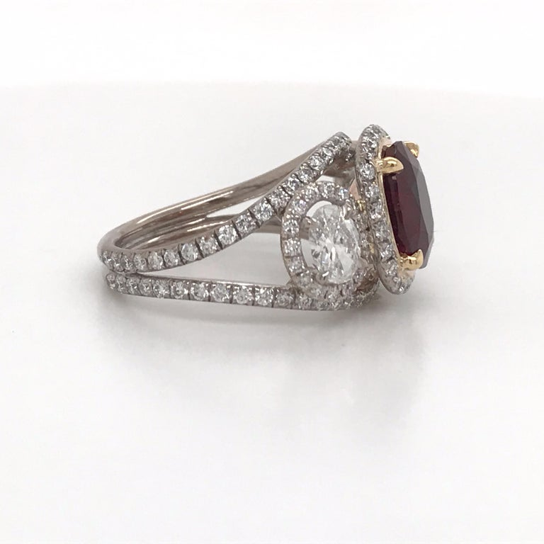 GRS Certified Oval Pigeon Blood Ruby Diamond Ring In New Condition For Sale In New York, NY