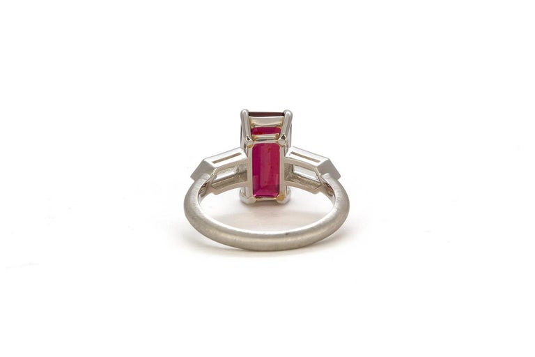 GRS Certified Platinum Pigeon Blood Ruby and Diamond Ring 4.00 Carat In New Condition For Sale In Tustin, CA