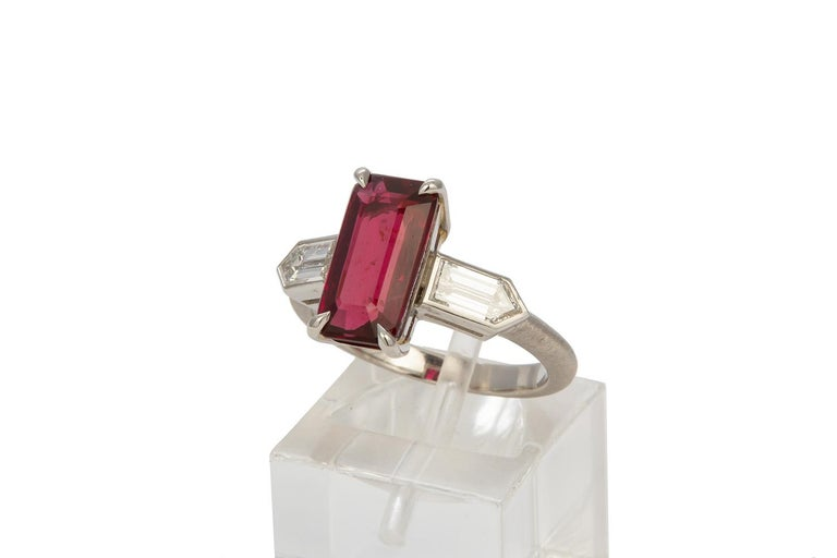 GRS Certified Platinum Pigeon Blood Ruby and Diamond Ring 4.00 Carat For Sale 1