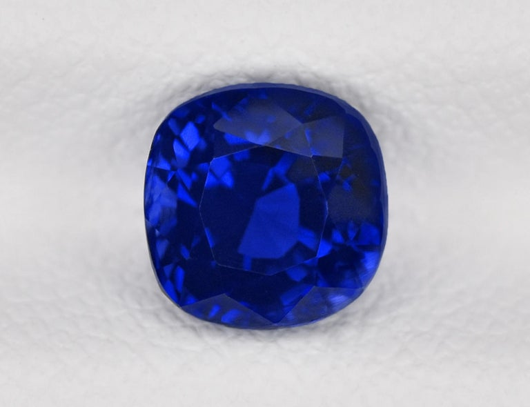 Women's or Men's GRS Switzerland 3.50 Carats Vivid Royal Blue Sapphire Pear Cut Cocktail Ring For Sale