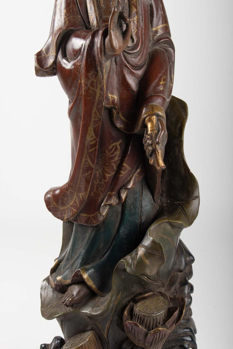 Chinese Export Guanyin in Carved Wood and Polichrome, China, Early 20th Century, Asian Art For Sale