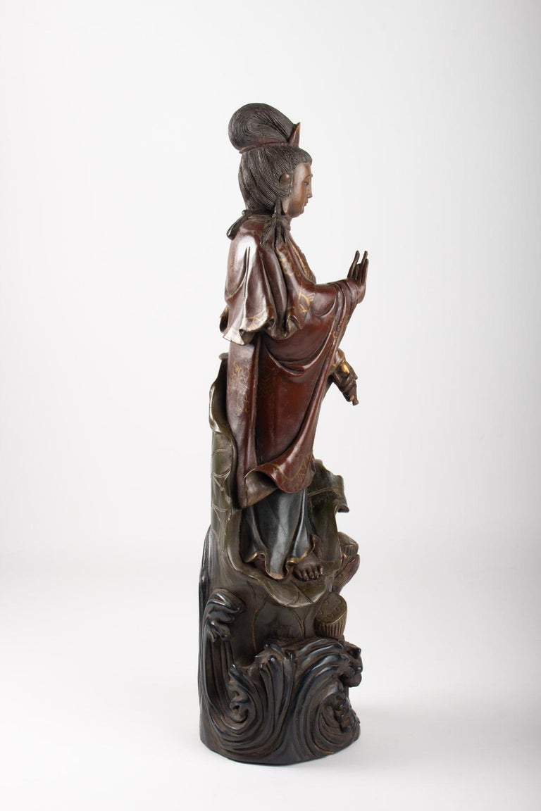 Guanyin in Carved Wood and Polichrome, China, Early 20th Century, Asian Art For Sale 2