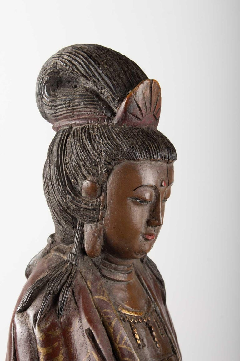 Guanyin in Carved Wood and Polichrome, China, Early 20th Century, Asian Art For Sale 3