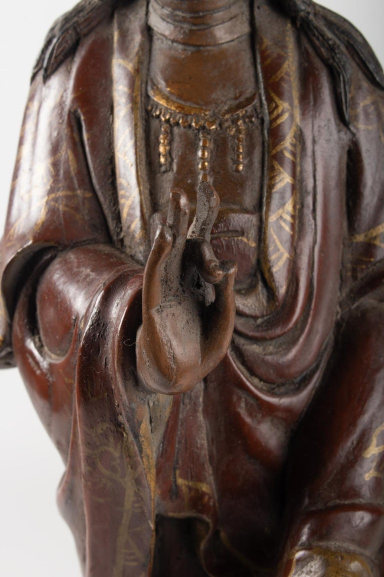 Guanyin in Carved Wood and Polichrome, China, Early 20th Century, Asian Art For Sale 4