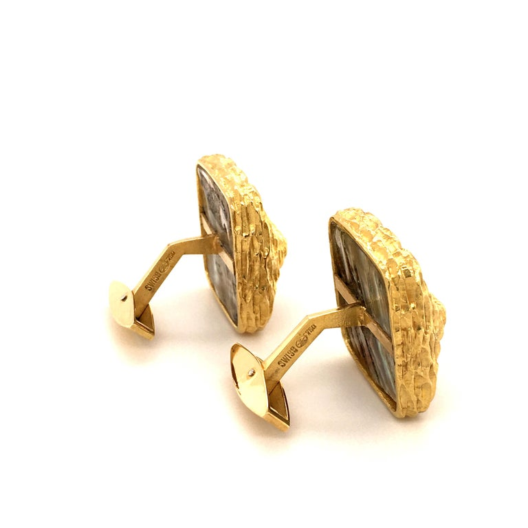 Gübelin Abalone Pearl Yellow Gold Cufflinks For Sale 1