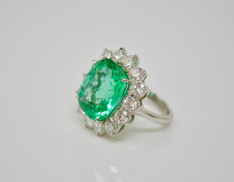Gubelin Certified 10.76 Carat Columbian Cushion Shaped Emerald and Diamond Ring In New Condition For Sale In New York, NY
