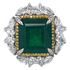 Gubelin Certified 11 Carat Colombian Emerald Minor, 3.68 Carat Diamonds, Ring