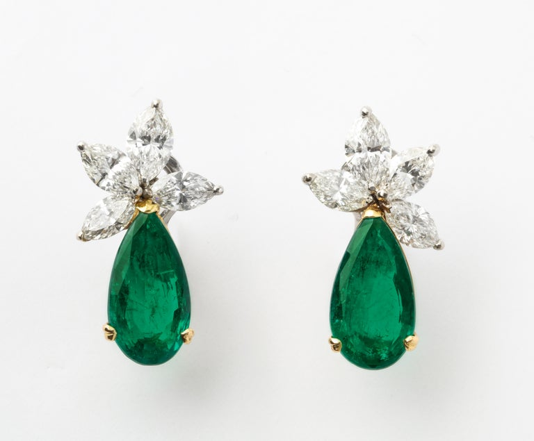 Gubelin Certified Colombian Emerald Diamond Earrings In New Condition For Sale In Bal Harbour, FL