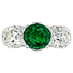Gubelin Certified Natural Colombian Emerald 3.38 Carat and Diamond Ring