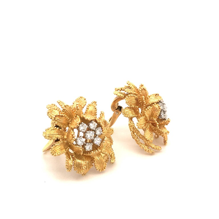 Gubelin Diamond Earclips in 18 Karat Yellow and White Gold In Excellent Condition For Sale In Lucerne, CH