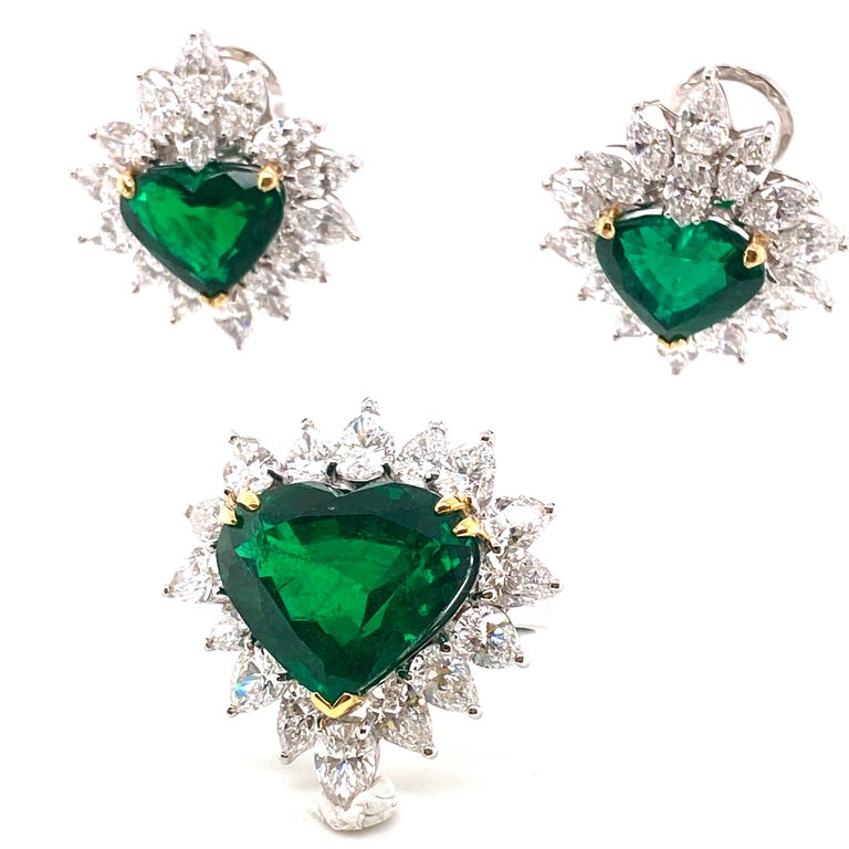 Gubelin Lab Certified Heart Shaped Emerald and Diamonds Ring and Earrings Set For Sale 4