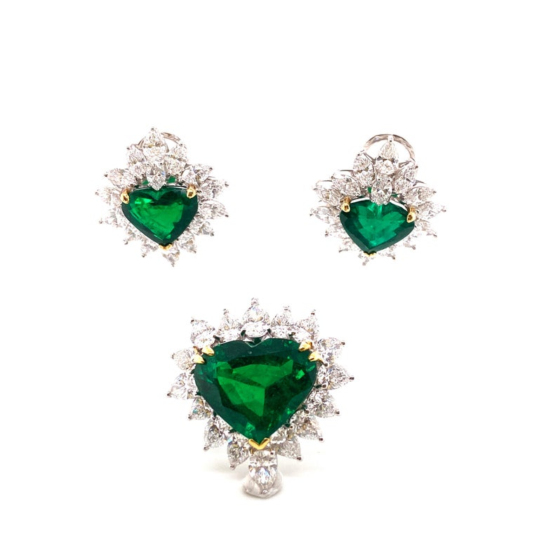 Contemporary Gubelin Lab Certified Heart Shaped Emerald and Diamonds Ring and Earrings Set For Sale