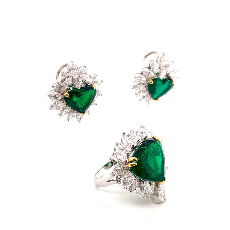 Heart Cut Gubelin Lab Certified Heart Shaped Emerald and Diamonds Ring and Earrings Set For Sale