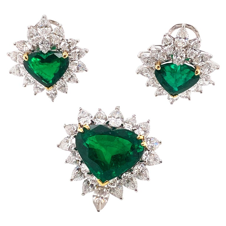 Gubelin Lab Certified Heart Shaped Emerald and Diamonds Ring and Earrings Set For Sale