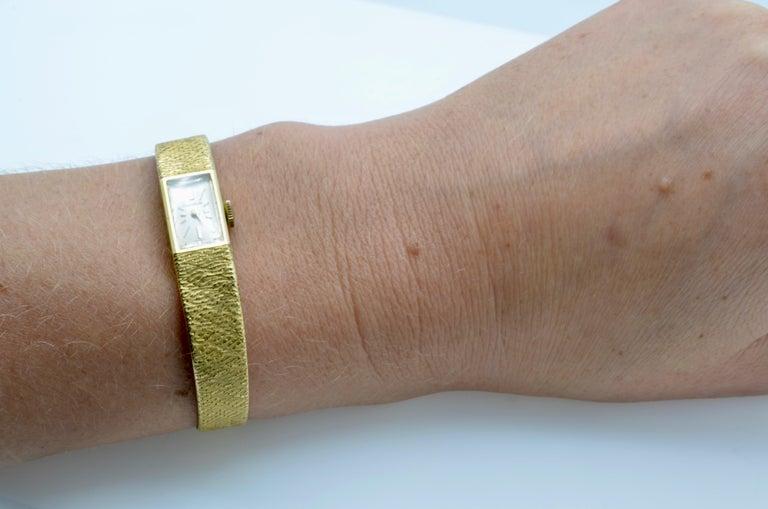 Gubelin Ladies 18 Karat Texture 1970s Swiss Watch Mechanical For Sale 9