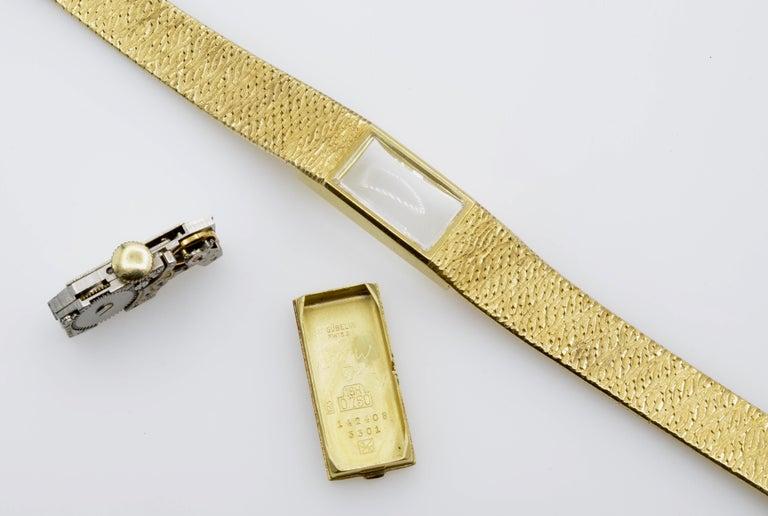 Gubelin Ladies 18 Karat Texture 1970s Swiss Watch Mechanical For Sale 4