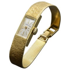 Gubelin Ladies 18 Karat Texture 1970s Swiss Watch Mechanical