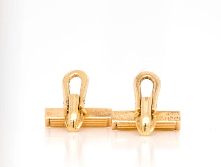 Men's Gucci 18 Karat Gold Bar Cufflinks For Sale