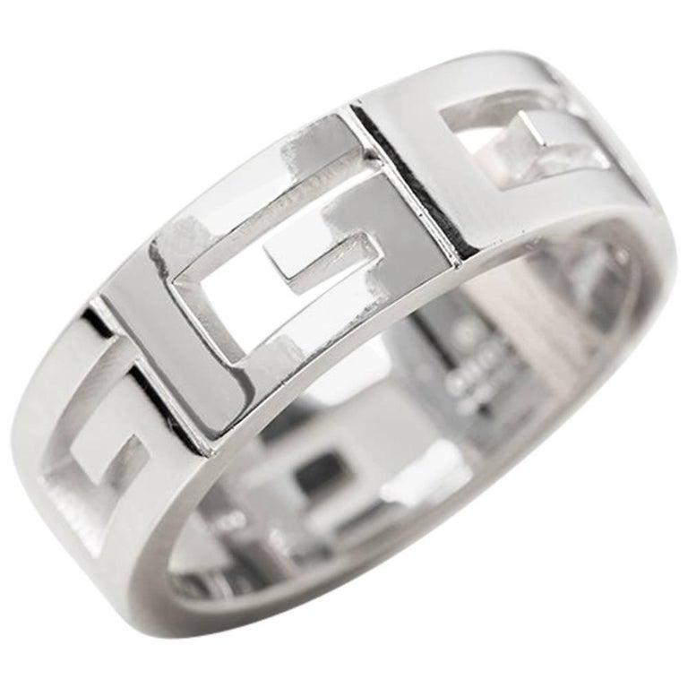 9c6c1c4e4 Gucci 18 Karat White Gold G Logo Men's Band Ring at 1stdibs
