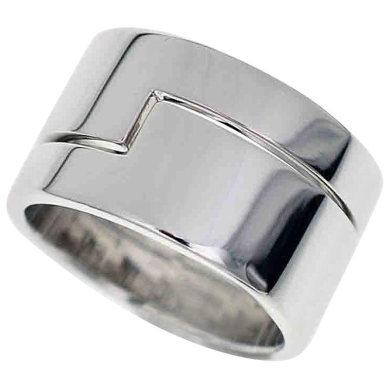 12b5fb8ce5cef Gucci 18 Karat White Gold Ring