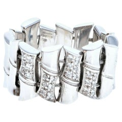 Gucci 18k White Gold Bamboo Graduated Diamond Ring 11.7g