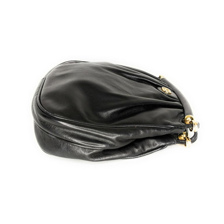 Gucci 70s Vintage Black Leather Interlocking G Shoulder Bag In Good Condition For Sale In Scottsdale, AZ