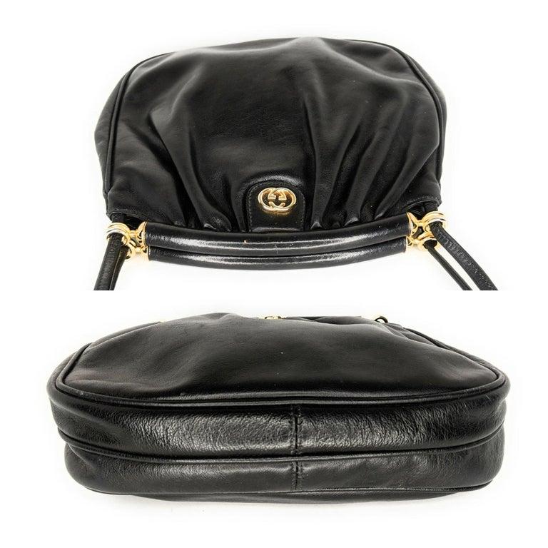 Gucci 70s Vintage Black Leather Interlocking G Shoulder Bag For Sale 1