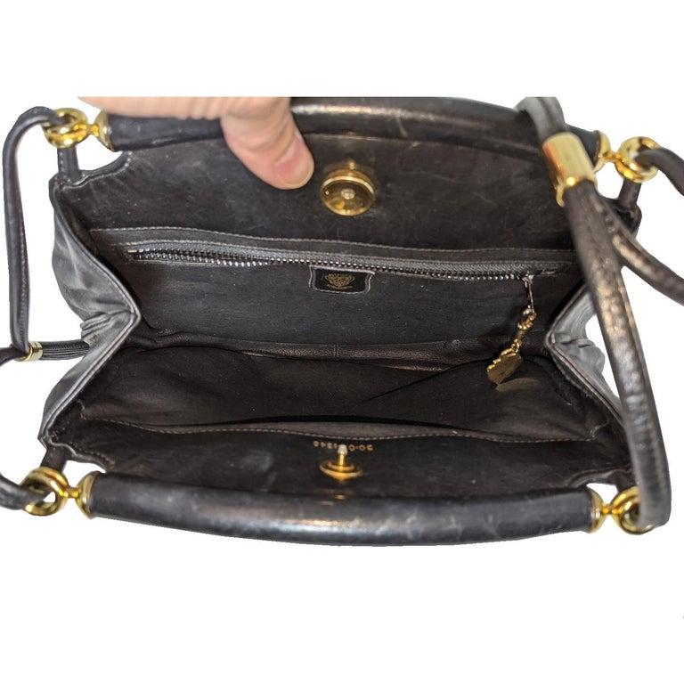 Gucci 70s Vintage Black Leather Interlocking G Shoulder Bag For Sale 3