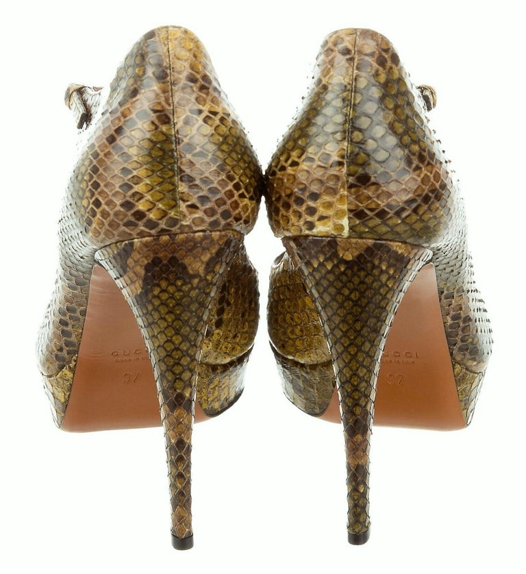 Brown New Gucci 90th Anniversary Ad Runway Python Snakeskin Pump Heels Sz 37  For Sale