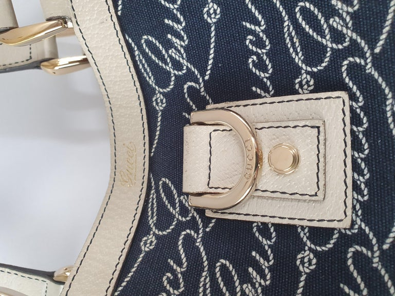 Gucci, Abbey tote Vintage in blue canvas For Sale 6