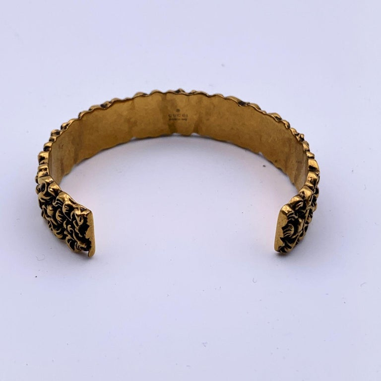 Gucci Aged Gold Metal Lion Mane Bracelet Size S Never Worn In New Condition For Sale In Rome, Rome
