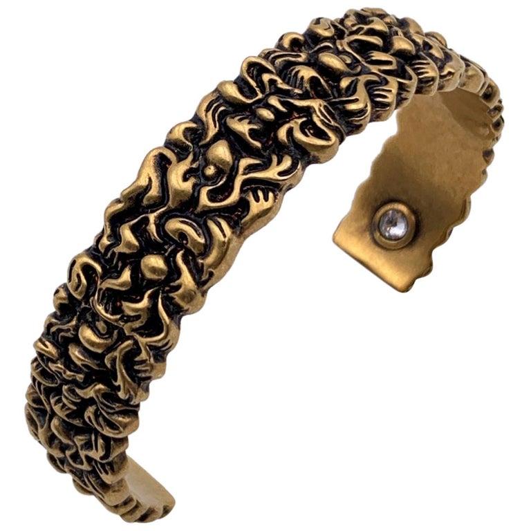 Gucci Aged Gold Metal Lion Mane Bracelet Size S Never Worn For Sale