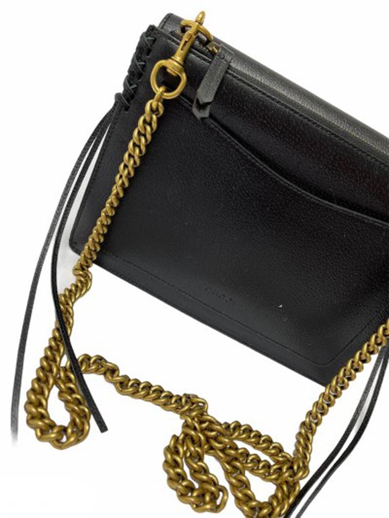 Gucci Animalier Shoulder Bag in Rigid Black Leather with Golden Hardware For Sale 2