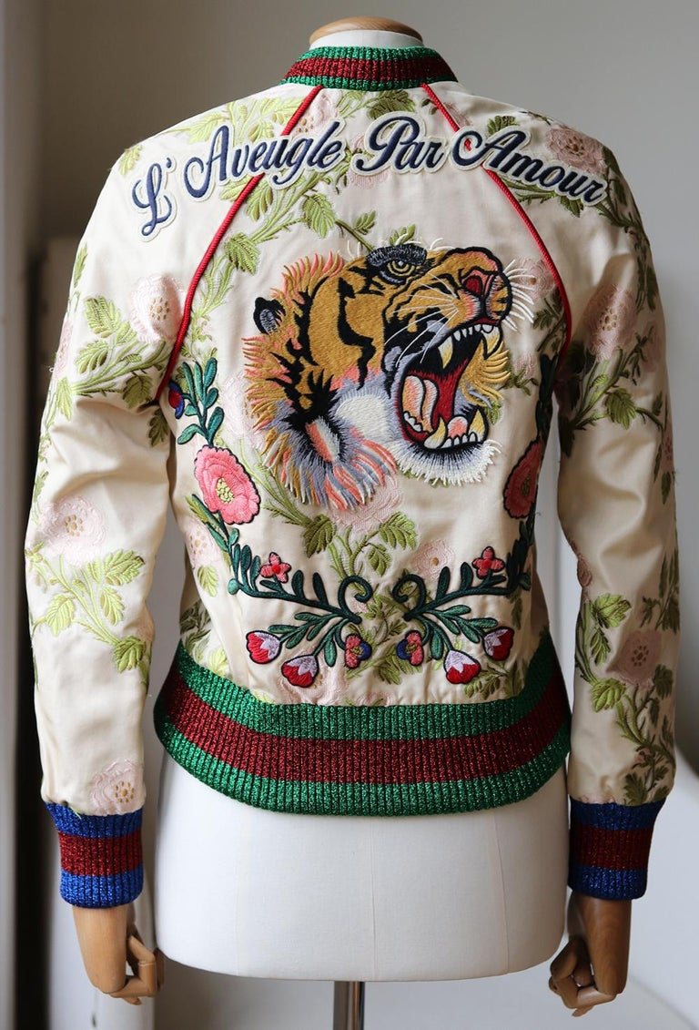 Gucci Appliquéd Floral Brocade Bomber Jacket  In Excellent Condition For Sale In London, GB