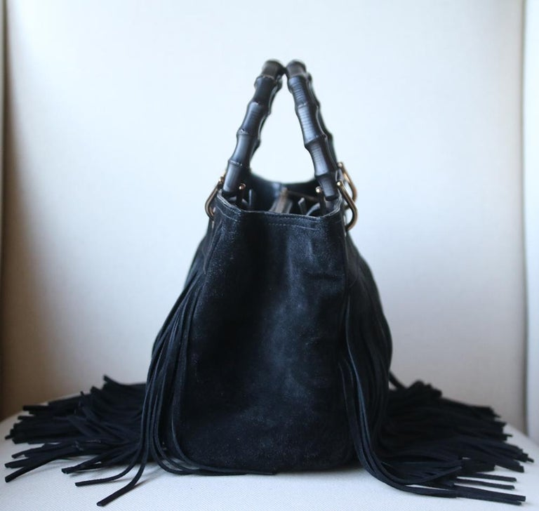 Women's or Men's Gucci Bamboo Shopper Medium Fringed Suede Tote Bag For Sale