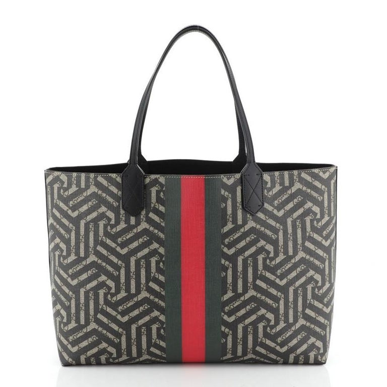 Gucci Bee Web Shopping Tote Caleido Print GG Coated Canvas Medium In Good Condition For Sale In New York, NY