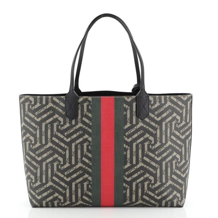 Gucci Bee Web Shopping Tote Caleido Print GG Coated Canvas Medium In Fair Condition For Sale In New York, NY